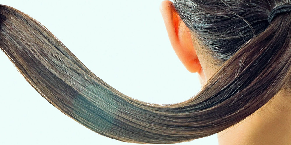 3 rimedi per i capelli grassi