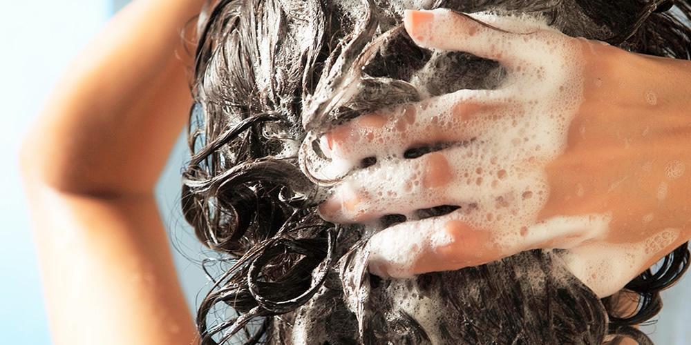 Errori da evitare in caso di capelli grassi