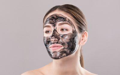 Maschera detox al carbone vegetale: 3 metodi per realizzarla